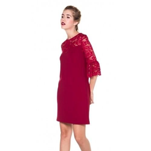 Hochgeschlossenes Kleid mit Oberteil und Ärmeln aus Spitze